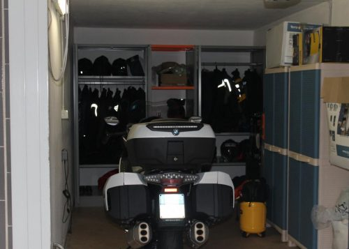 soluzione ideale per motociclisti - DM Ignazio scaffale box garage