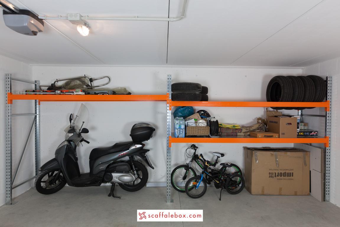 Un garage ordinato e con tanto spazio libero